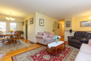 Photo 5: 2076 Piercy Ave in : Si Sidney North-East House for sale (Sidney)  : MLS®# 850852