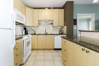 """Photo 3: 1005 160 E 13TH Street in North Vancouver: Central Lonsdale Condo for sale in """"The Grande"""" : MLS®# R2266031"""