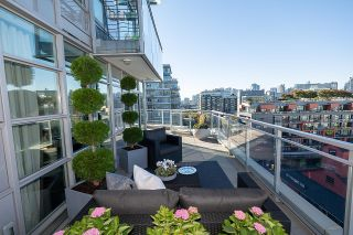 """Photo 7: 1103 88 W 1ST Avenue in Vancouver: False Creek Condo for sale in """"THE ONE"""" (Vancouver West)  : MLS®# R2624687"""