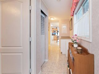 """Photo 13: 81 2270 196 Street in Langley: Brookswood Langley Manufactured Home for sale in """"Pineridge Park"""" : MLS®# R2224829"""