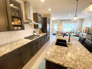 Photo 11: 9349 74 Avenue in Edmonton: Zone 17 House for sale : MLS®# E4246636