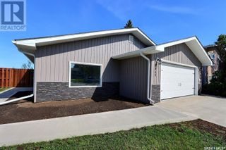 Photo 1: 1360 LaCroix CRES in Prince Albert: House for sale : MLS®# SK868529