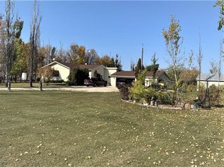 Photo 1: 21067 Willow Ridge Road in Ile Des Chenes: R07 Residential for sale : MLS®# 202123781