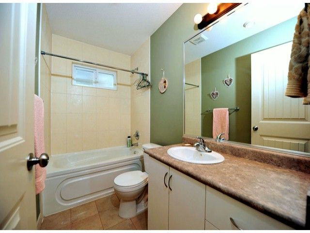 Photo 4: Photos: 8596 FAIRBANKS ST in Mission: Mission BC House for sale : MLS®# F1318181