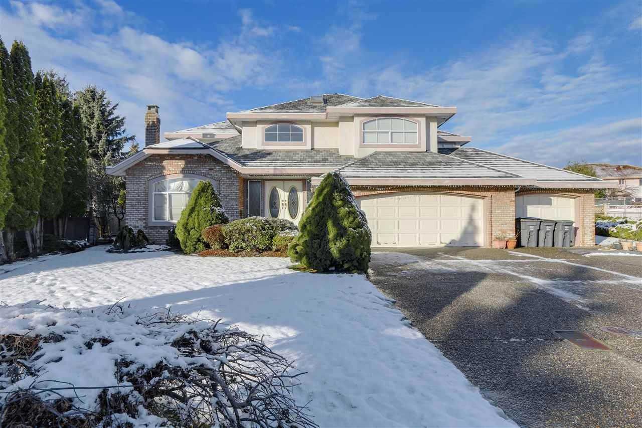Main Photo: 14166 83 Avenue in Surrey: Bear Creek Green Timbers House for sale : MLS®# R2126712