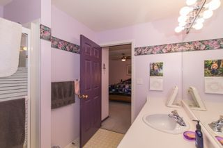 Photo 13: 412 13900 HYLAND ROAD in Surrey: East Newton Townhouse for sale : MLS®# R2112905