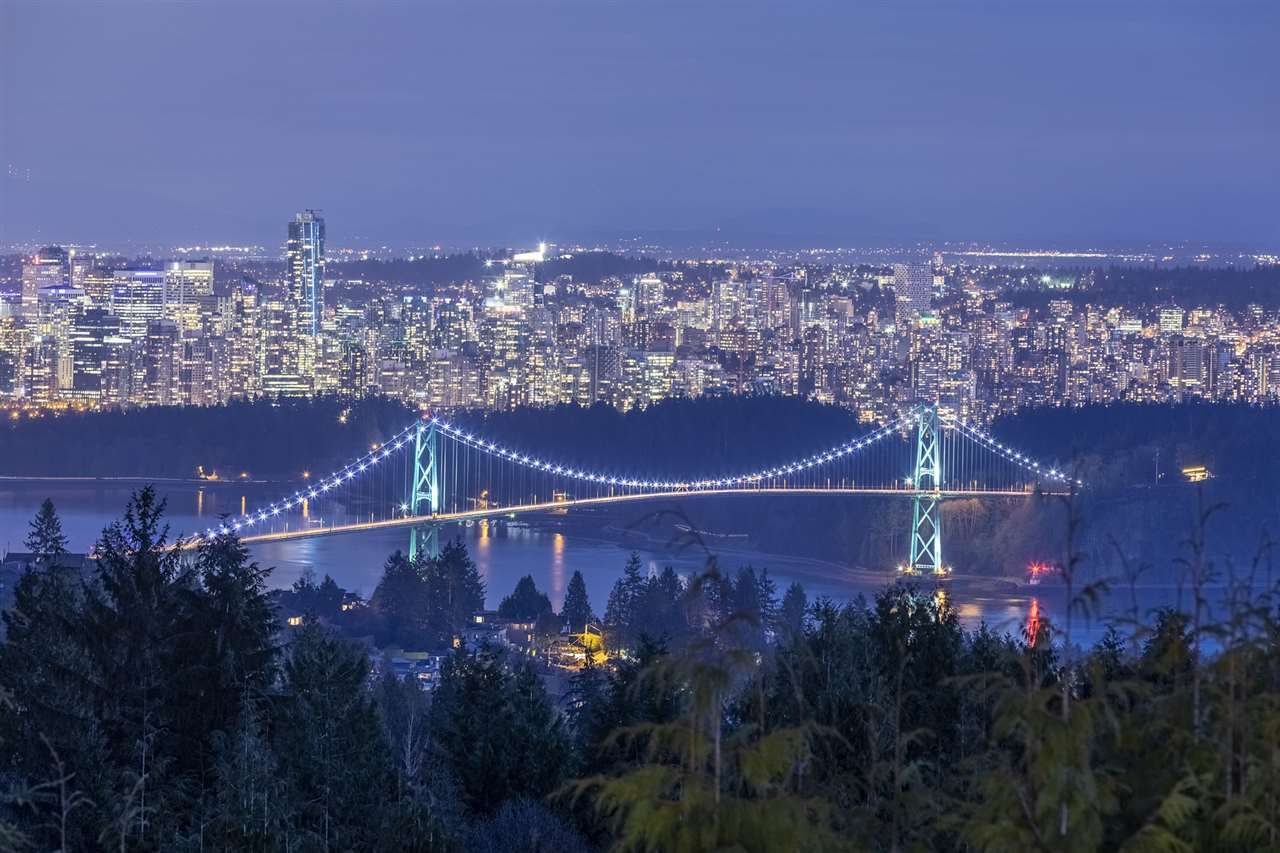 Main Photo: 1375 BURNSIDE ROAD in West Vancouver: Chartwell House for sale : MLS®# R2564136