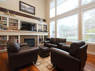Photo 2: 2182 Stone Gate in VICTORIA: La Bear Mountain House for sale (Langford)  : MLS®# 808396