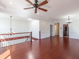 Photo 1: 10 WARWICK Avenue in Burnaby: Capitol Hill BN House for sale (Burnaby North)  : MLS®# R2603486