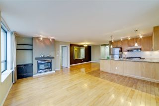 """Photo 7: 3006 4333 CENTRAL Boulevard in Burnaby: Metrotown Condo for sale in """"Presidia"""" (Burnaby South)  : MLS®# R2423050"""