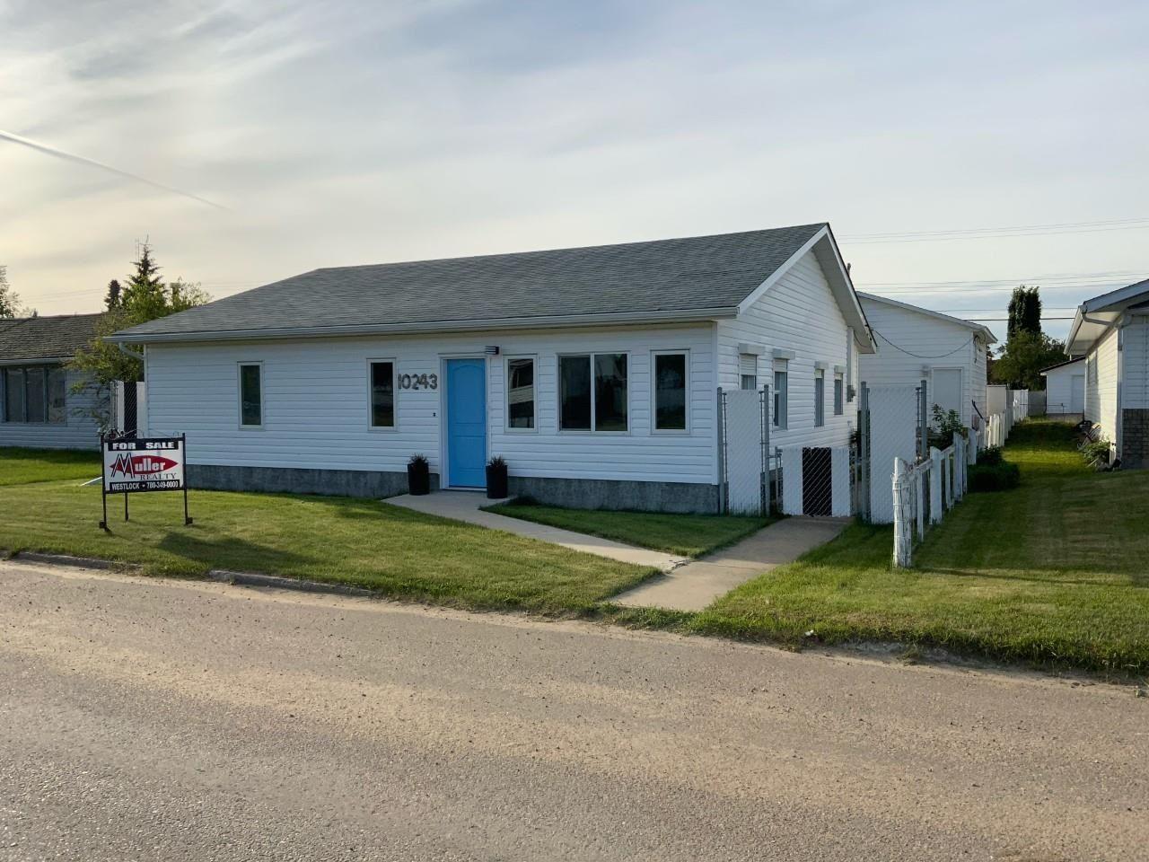 Main Photo: 10243 107 Street: Westlock House for sale : MLS®# E4248516