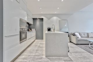 """Photo 7: 203 181 W 1ST Avenue in Vancouver: False Creek Condo for sale in """"BROOK - VILLAGE ON FALSE CREEK"""" (Vancouver West)  : MLS®# R2504203"""