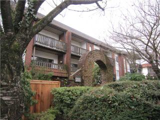 "Photo 3: 107 211 W 3RD Street in North Vancouver: Lower Lonsdale Condo for sale in ""Villa Aurora"" : MLS®# V866514"