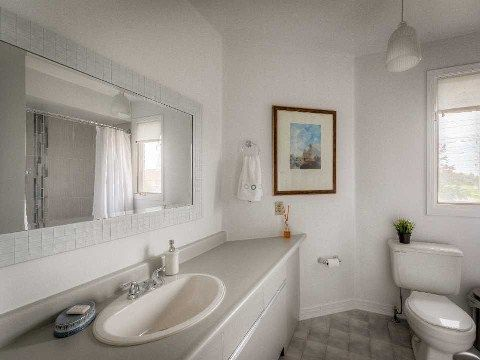 Photo 9: Photos: 2 Artisan Place in Toronto: Hillcrest Village House (2-Storey) for sale (Toronto C15)  : MLS®# C3019377