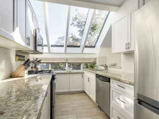 Photo 9: 1735 LARCH STREET in Vancouver: Kitsilano Townhouse for sale (Vancouver West)  : MLS®# R2330444