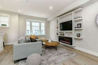 """Photo 2: 19 189 WOOD Street in New Westminster: Queensborough Townhouse for sale in """"RIVER MEWS"""" : MLS®# R2410352"""