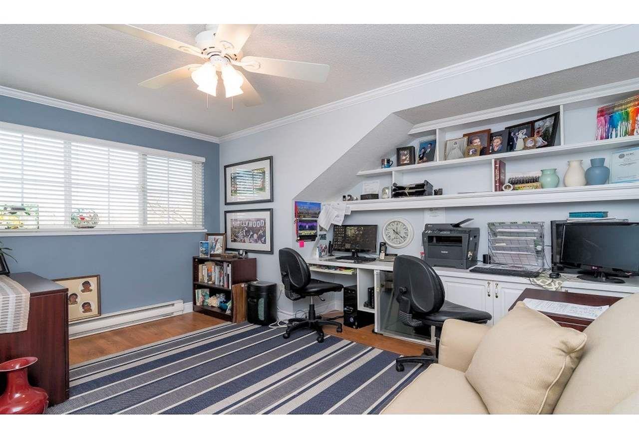"Photo 14: Photos: 14 17917 68 Avenue in Surrey: Cloverdale BC Townhouse for sale in ""Weybridge Lane"" (Cloverdale)  : MLS®# R2420779"