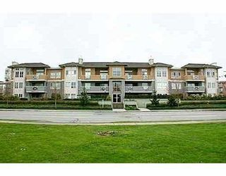 "Photo 1: 208 6676 NELSON Avenue in Burnaby: Metrotown Condo for sale in ""NELSON ON THE PARK"" (Burnaby South)  : MLS®# V796012"