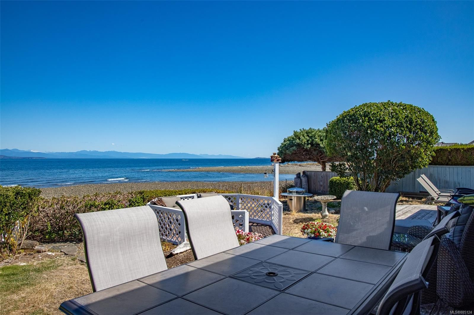 Photo 23: Photos: 1705 Admiral Tryon Blvd in : PQ French Creek House for sale (Parksville/Qualicum)  : MLS®# 885124