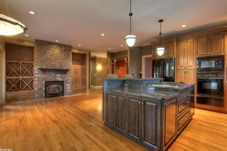 Photo 3: 2299 Lillooet Crescent in Kelowna: Other for sale : MLS®# 10038123