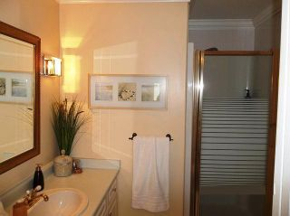 Photo 13: 201 1630 154TH Street in South Surrey White Rock: Home for sale : MLS®# F1214459