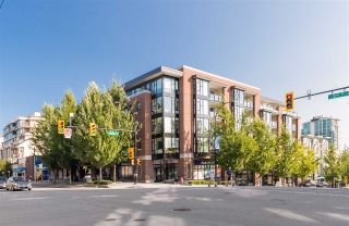 "Photo 1: 205 111 E 3RD Street in North Vancouver: Lower Lonsdale Condo for sale in ""VERSATILE"" : MLS®# R2510116"