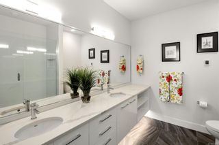 Photo 10: 604 1311 Lakepoint Way in : La Westhills Condo for sale (Langford)  : MLS®# 867444