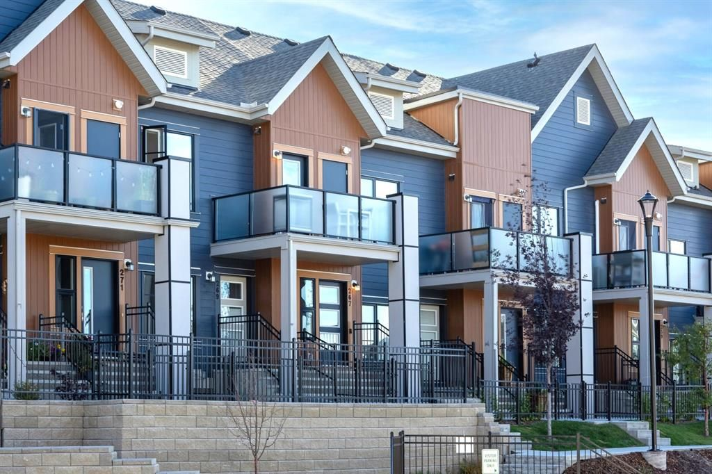 Main Photo: 267 Livingston Common in Calgary: Livingston Row/Townhouse for sale : MLS®# A1150791