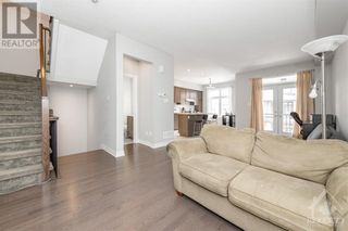 Photo 9: 84 STOCKHOLM PRIVATE in Ottawa: House for sale : MLS®# 1258634