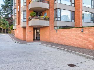 """Photo 21: 204 1860 ROBSON Street in Vancouver: West End VW Condo for sale in """"Stanley Park Place"""" (Vancouver West)  : MLS®# R2619099"""