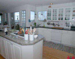 Photo 2: 14831 Buena Vista Ave in White Rock: Home for sale : MLS®# f2506085