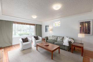 Photo 4: 2203 E 2ND AVENUE in Vancouver: Grandview VE House for sale (Vancouver East)  : MLS®# R2240985