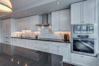Photo 8: 2201 1 Bedford Road in Toronto: Condo for sale (Toronto C02)  : MLS®# C4431810