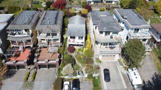 "Photo 6: 14771 OXENHAM Avenue: White Rock House for sale in ""White Rock hillside"" (South Surrey White Rock)  : MLS®# R2430448"