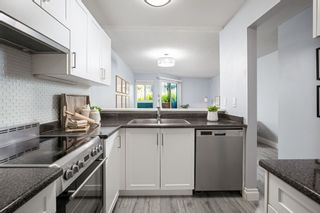 """Photo 8: 7 1870 YEW Street in Vancouver: Kitsilano Townhouse for sale in """"NEWPORT MEWS"""" (Vancouver West)  : MLS®# R2592619"""