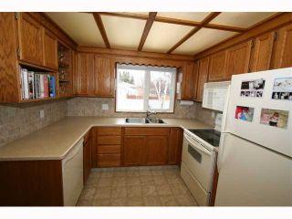 Photo 9: 28 HARROW Crescent SW in CALGARY: Haysboro Residential Detached Single Family for sale (Calgary)  : MLS®# C3419230
