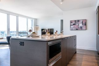 """Photo 12: 1705 5233 GILBERT Road in Richmond: Brighouse Condo for sale in """"RIVER PARK PLACE"""" : MLS®# R2575125"""