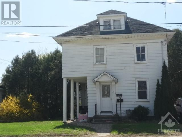 FEATURED LISTING: 11 LOMBARD STREET Smiths Falls