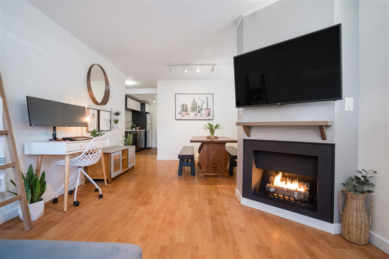 """Main Photo: 102 1631 COMOX Street in Vancouver: West End VW Condo for sale in """"WESTENDER ONE"""" (Vancouver West)  : MLS®# R2561465"""
