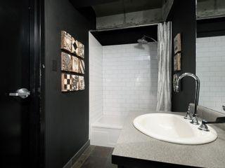 Photo 16: 311 1061 Fort St in : Vi Downtown Condo for sale (Victoria)  : MLS®# 866095