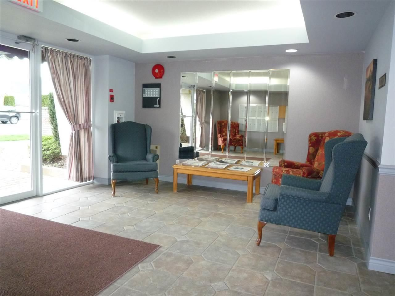 """Photo 3: Photos: 104 9400 COOK Street in Chilliwack: Chilliwack N Yale-Well Condo for sale in """"THE WELLINGTON"""" : MLS®# R2076679"""