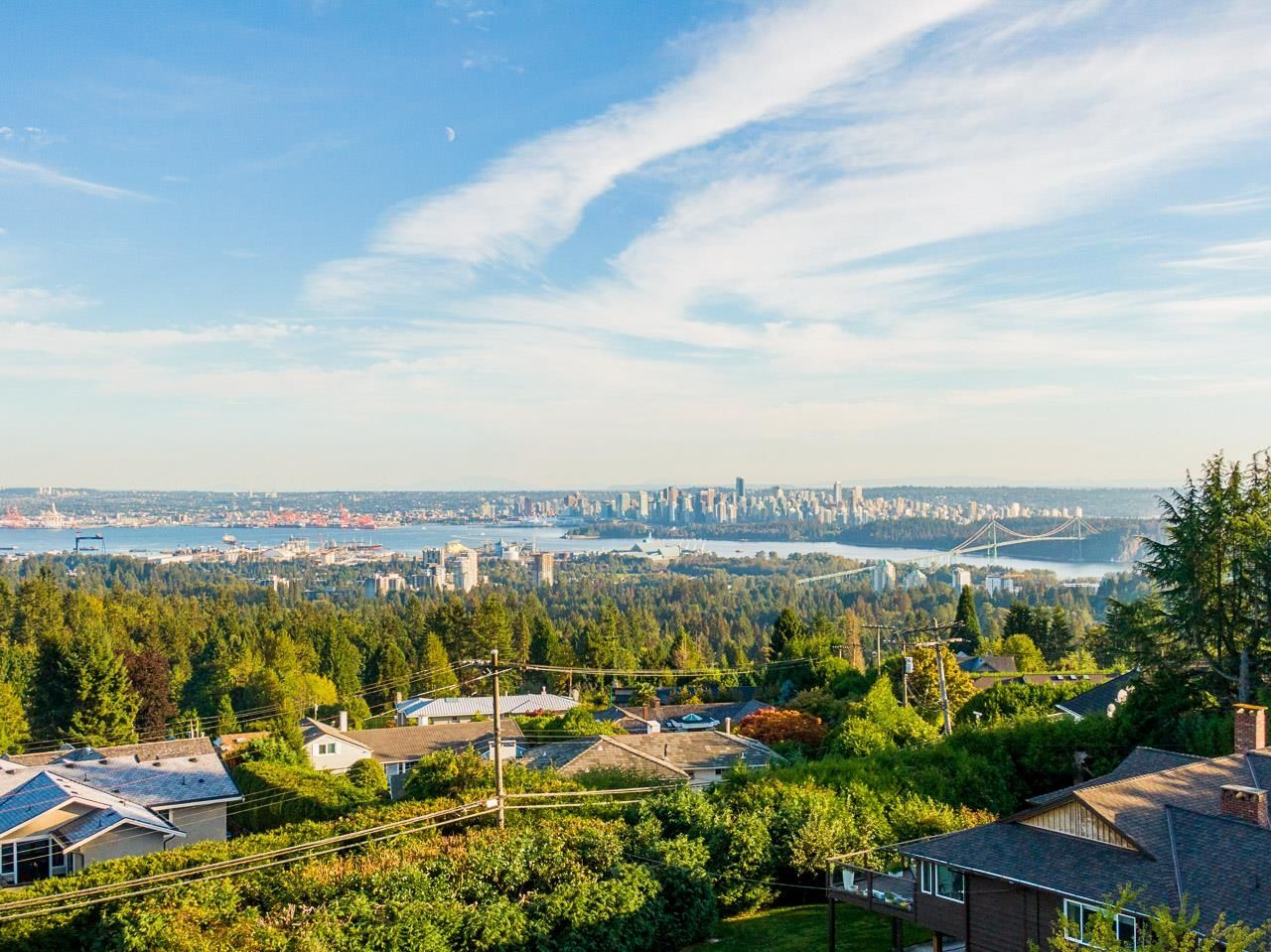 Main Photo: 875 EYREMOUNT Drive in West Vancouver: British Properties House for sale : MLS®# R2618624