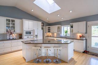 Photo 10: 12807 54 Avenue in Surrey: Panorama Ridge House for sale : MLS®# R2426492