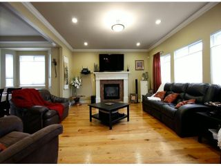 Photo 3: 8471 BAILEY PL in Mission: Mission BC House for sale : MLS®# F1415065
