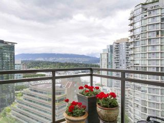 """Photo 7: 1705 1211 MELVILLE Street in Vancouver: Coal Harbour Condo for sale in """"THE RITZ"""" (Vancouver West)  : MLS®# R2173539"""