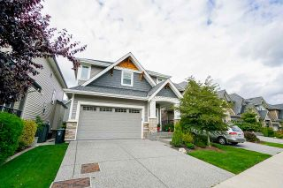 """Photo 2: 21071 78B Avenue in Langley: Willoughby Heights House for sale in """"Yorkson South"""" : MLS®# R2474012"""