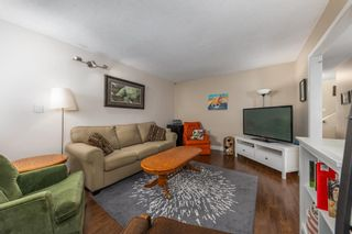 """Photo 3: 41710 GOVERNMENT Road in Squamish: Brackendale 1/2 Duplex for sale in """"Brackendale"""" : MLS®# R2577101"""