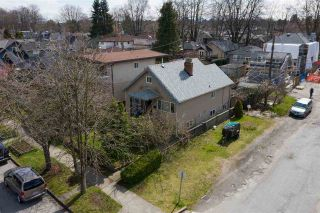 "Photo 2: 2504 NAPIER Street in Vancouver: Renfrew VE House for sale in ""RENFREW"" (Vancouver East)  : MLS®# R2449289"