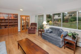 """Photo 2: 603 WESTVIEW Place in North Vancouver: Upper Lonsdale Townhouse for sale in """"Cypress Gardens"""" : MLS®# R2211101"""