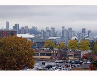 """Photo 5: 412 2635 PRINCE EDWARD Street in Vancouver: Mount Pleasant VE Condo for sale in """"SOMA LOFTS"""" (Vancouver East)  : MLS®# V793823"""